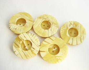 """5 large buttons, Vintage casein buttons, 38 mm - 1 1/2"""" across, unused!!"""