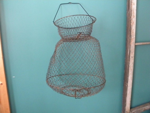 Wire mesh fish basket collapsible fishing basket for Fish wire basket