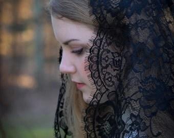 Evintage Veils~ Black Spanish Lace Floral Lace Mantilla Chapel Veil Classic D Shape