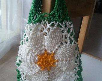 Crochet girls purse, children crochet bag, White crochet purse, Flower girl handbag, gift for girl, crochet pouch, crochet flower bag
