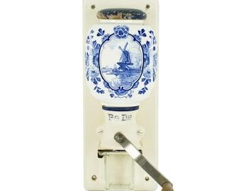 Dutch Delfts Blue Coffee grinder PEDE Peter Dienes hand crank wall mill Windmill HOLLAND