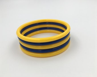 Vintage Yellow and Dark Blue Bangle Bracelets - Plastic - Set of 5 - Dark Blue - Yellow Bangles