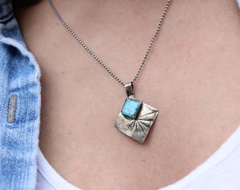"""Beautiful Old Pawn Vintage Native American Sterling Silver Southwestern Hand Stamped Navajo Kingman Turquoise Pendant Necklace 18"""" Chain"""