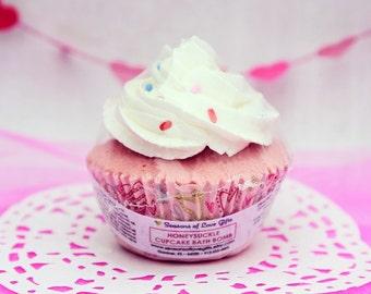 Cupcake Bath Fizzy - Valenties Bath Bomb - Bath Bomb Cupcake - Cupcake Bath Bomb - Bath Bomb - Valentine Bath Bomb - Valentine Bath Fizzy