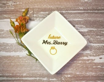 Future Mrs. Ring Dish, Engagement ring dish, Custom Jewelry Dish