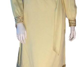 1960s Kiki Hart New York Yellow Silk and Linen Starburst Rhinestone Bejewelled Tie Waist Dress - Size 2