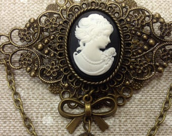 CAMEO OVAL BROOCH
