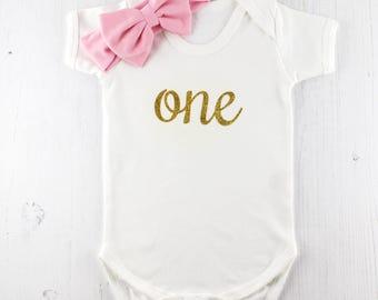 First Birthday Outfit, 1st Birthday Onesie, Birthday Babygrow, First Birthday Gift, Baby Girl Gift, Sparkle Onesie, Gold Glitter Baby grow