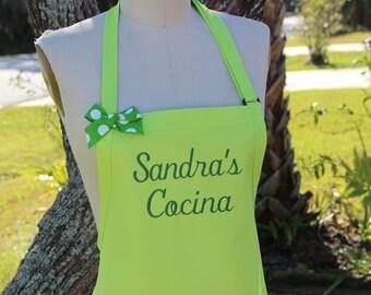 Personalized Sandra's Cocina Lime green Apron/ Elegant Apron / Hostess gift idea / Birthday gift / Quality Apron / Gift under 30 .
