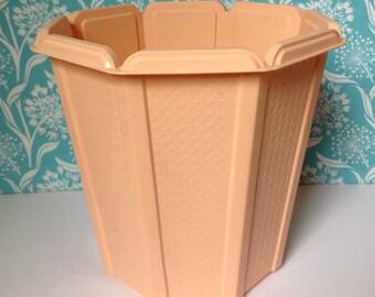Vintage Rubbermaid waste basket, peach trash can, retro trashcan, plastic trash can, basketweave