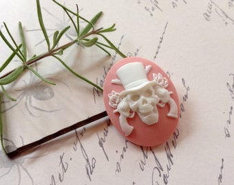 Pale Pink And White Guns And Roses Skull Hair Clip