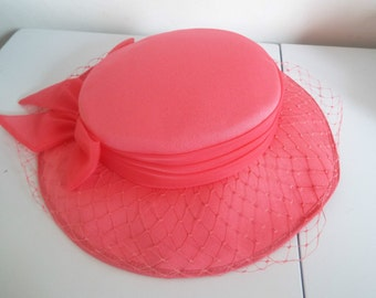 Vintage Ladies Hat 1970's Salmon ~Pink Brimmed Hat tulle bow and netting