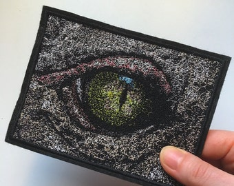 "Eye Embroidered patch.  The approximate size 13.5 x 10cm (5.32 x 3.94"")"