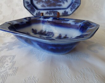 JOHN WEDGWOOD England CHAPOO - Dark Flow Blue - Asian Scene Ironstone - eight sided  - Display Only - Vegetable Dish - circa 1850's..