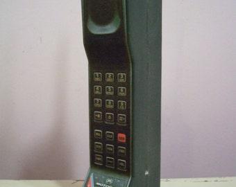 Vintage Style Brick Cell Mobile  Phone Toy / Prop - Motorola DynaTAC 8500x. 1980s 1990s