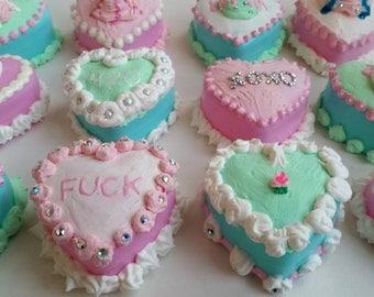 Heart shaped kawaii mini pastel cake dessert storage stash box containers