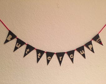 Personalized felt banner for a dog