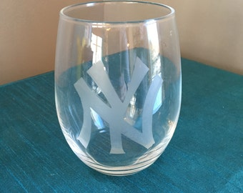 Set of 4 New York Yankees Wine Glasses