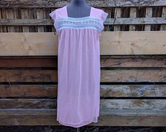 Vintage 1960s Pink With Rainbow Embroidery Babydoll 100% Nylon Negligee / Night Gown