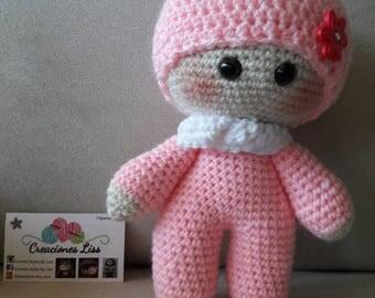 Muñeca yoyo hecha en amigurumi