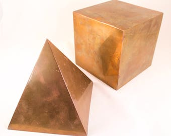 Sarreid Brass Pyramid and Cube Mid Century Modern Bookends Paperweights Decorative Objects Italian
