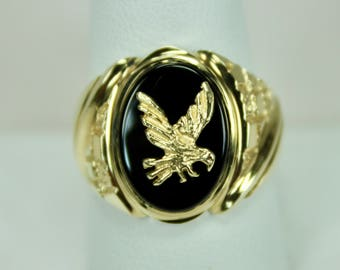 Vintage Mens Ring 14K Yellow Gold Flying Eagle with Black Onyx Sz 10 c1980s