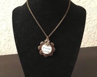 Friends Flower Glass Pendant Necklace
