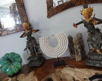 Shell Necklace Boho Luxe Coachella Look Women Fashion Eye Catching Home Decor Art Interior Designer