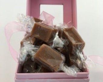 8 oz Pink Scroll Gift Box