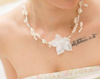 Sidonie wedding necklace