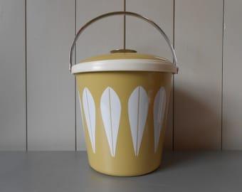 Vintage CATHRINEHOLM Enameled Steel Ice Bucket. Avocado Green White Lotus Pattern. Leaf Print. Norway. 1960s Scandinavian Design Classic