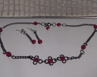 Ruby Red Coloured Crystal Bead Choker Pendant, Dark Grey Chain Link Necklace and Earring Set