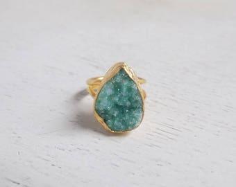 Green Druzy Ring, Druzy Ring, Raw Druzy Ring, Teardrop Stone Ring, Crystal Ring, Gemstone Ring, Small Stone Ring, Raw Stone Ring, Gold, D1-8