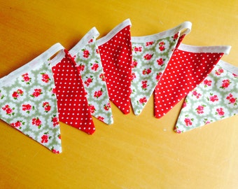 Red Dot and Green Floral Mini Bunting