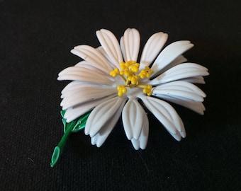 Vintage 1960's White Enamel Daisy Flower Brooch Pin