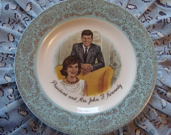 "President and Mrs. John F. Kennedy Commemorative 6"" Plate - Gold Filigree on Aqua Blue Band"