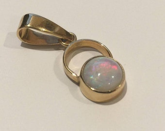 Solid Opal Pendant in 14K Yellow Gold. Lightning Ridge.