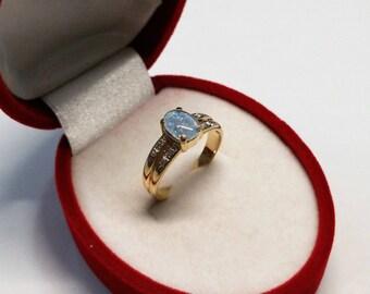Vintage ring 333 gold Opal blue noble elegant Moissanite GR304