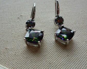 Boucles d'oreille argent  Mystic Topaz  **EXPÉDITION GRATUITE  au Canada**Free shipping in Canada**