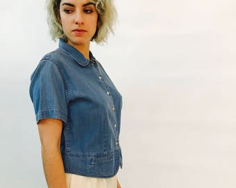 pale denim blouse - vintage 90s modern button down blouse  - short sleeve denim shirt- light blue denim blouse - women's M
