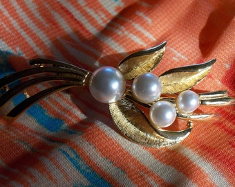 Napier Gold Tone Brooch with Faux Pearls