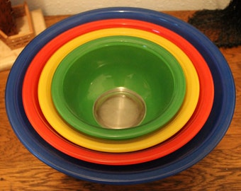 Vintage Set 4 Pyrex Nesting Mixing Bowls Primary Colors Blue Red Yellow Green