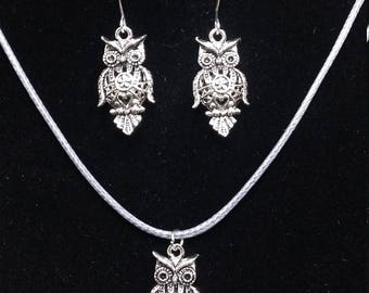 Set owl necklace and earrings,silver owl earrings, sterling silver hooks,antique silver owl necklace, silver owl set.owl jewelry,owl gift