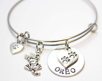 cat bracelet, cat name bracelet, cat theme bracelet, cat name bangle, cat name jewelry, cat theme gift, personalized cat theme gift, cat