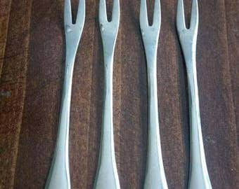Set of 4 Onieda stainless steel hors d'oeuvres forks