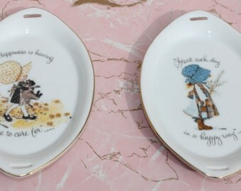 Pair of Vintage Holly Hobbie Porcelain Collector Trinket Dishes Plaques Japan
