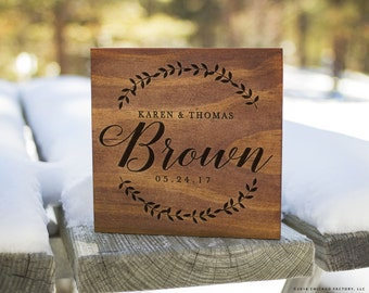 Personalized Last Name Sign, Family Established Sign, Family Established Wood Signs, Wedding Gift, Custom Wood Signs, Laurel Wreath (GP1096)