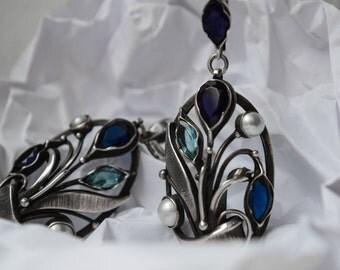 Silver earrings with blue quartz.