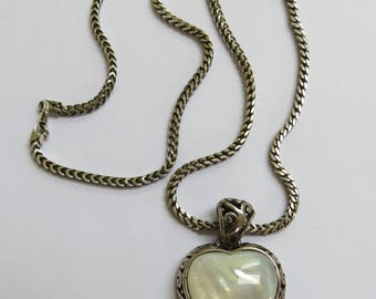 Vintage Beautiful 925 Sterling Silver and Mother of Pearl Heart Shaped Pendant Necklace