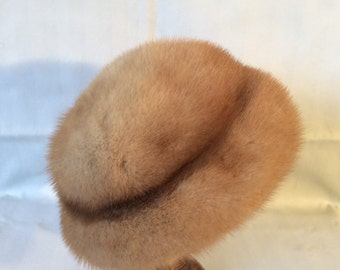 1970s  blonde mink hat